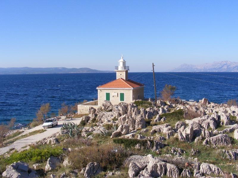 http://fkk-naturyzm.pl/6898/latarnia-morska-sveti-petar-makarska-.jpg